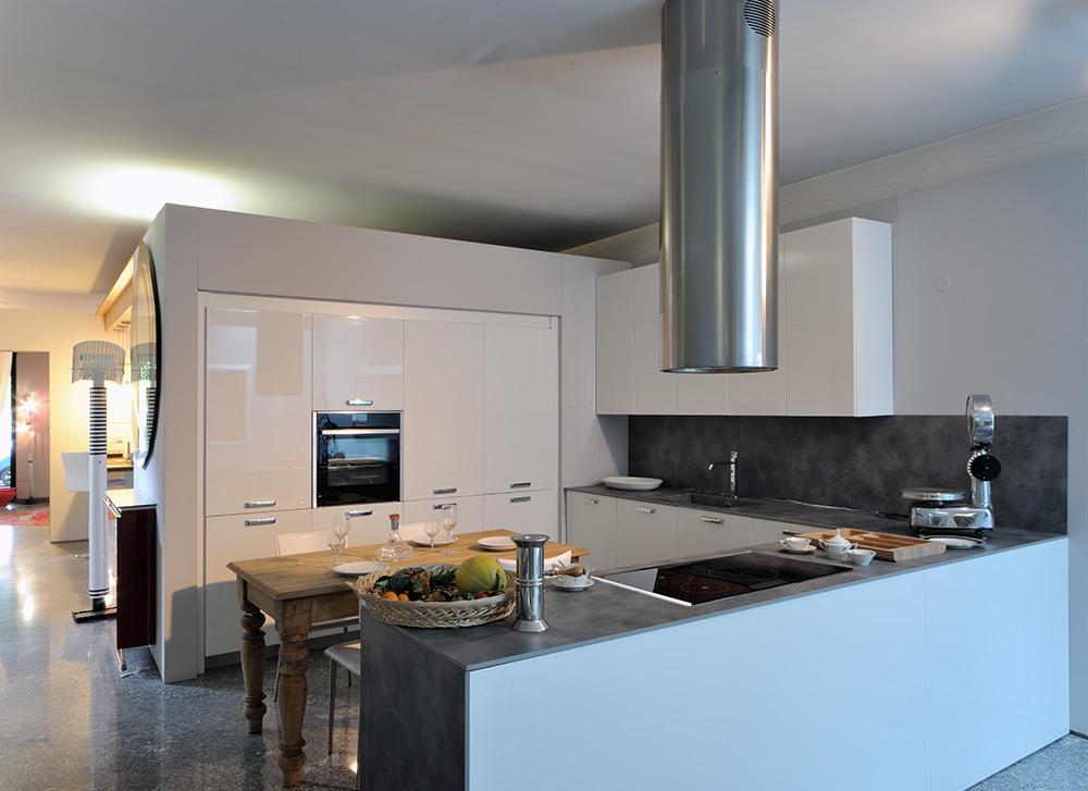 Cucine su misura novara cislaghi arredamenti for Cucine e arredi novara